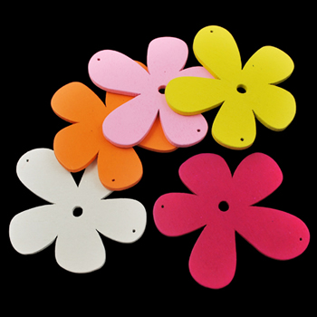 Flower pendant wood