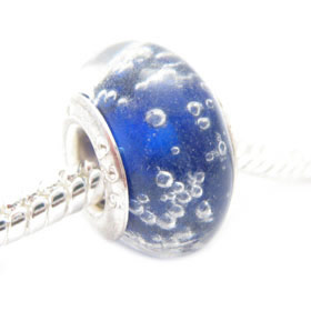 Glass bead